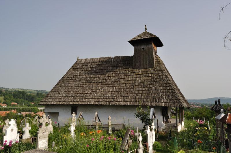 Biserica de lemn din Novaci-Români